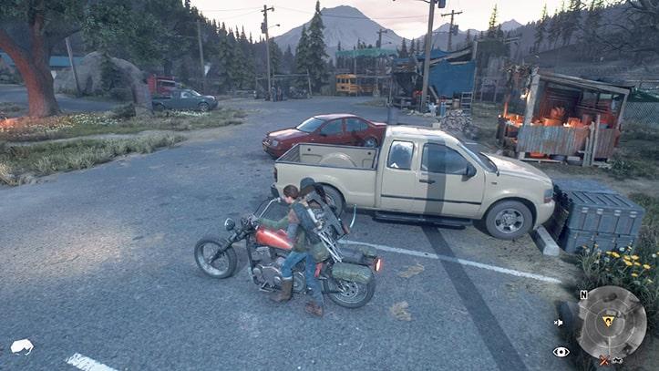 リッキーのバイクを二人乗りしているシーン
