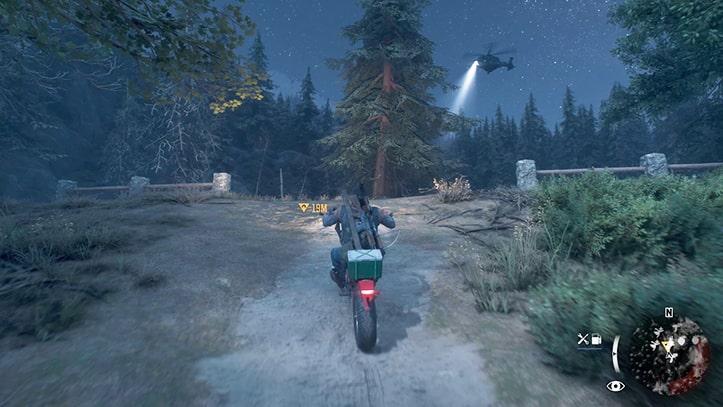 バイクでヘリコプターへ近づくシーン