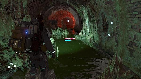 梯子のある地下水道