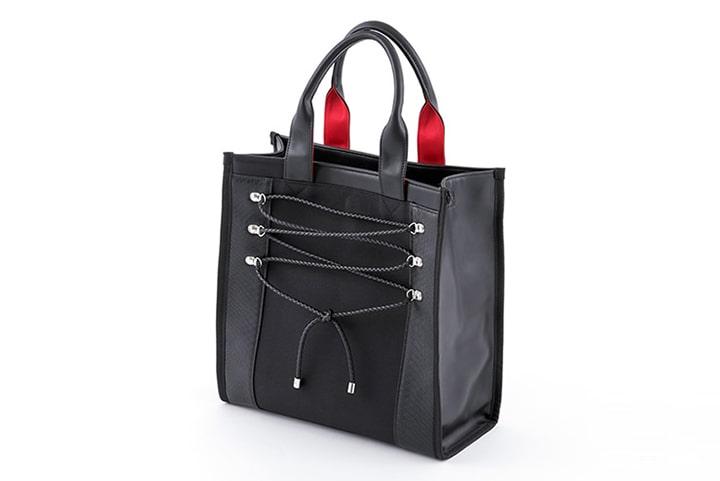 ゴーストオブツシマデザインのバッグ
