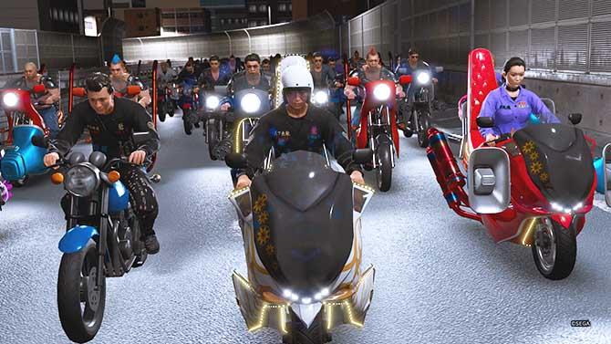 八神派のバイク移動のシーン
