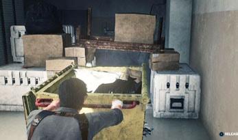 室内でゴミ箱を動かす