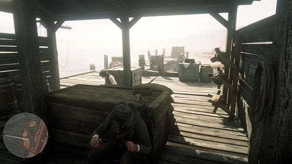 木箱にアーサーたちが隠れる様子