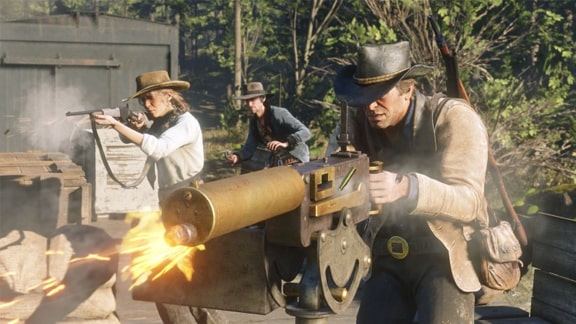アーサー・モーガンがマシンガンで射撃する画像