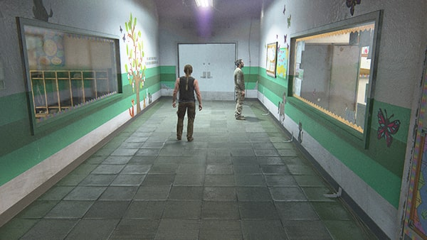 廊下の最奥にある最後に空けるドア画像