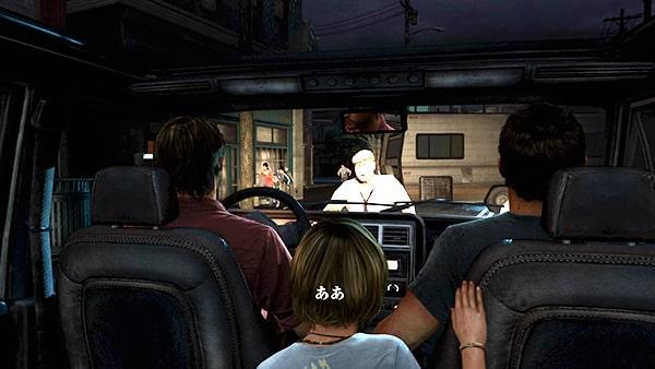 トミーとジョエルとサラが町を車で脱出するシーン